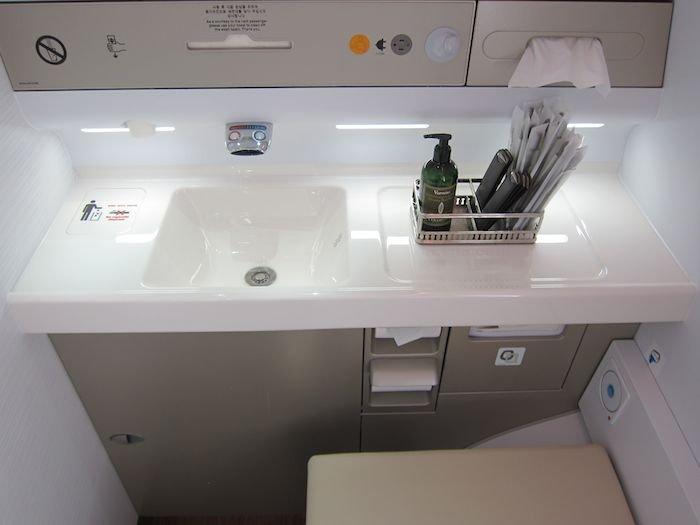 Asiana-A380-First-Class-028