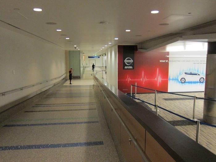 Star-Alliance-First-Lounge-LAX-08