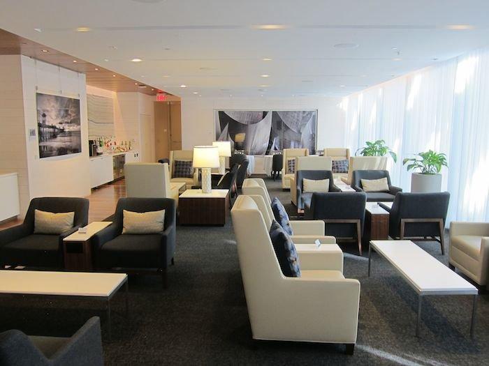 Star-Alliance-First-Lounge-LAX-15
