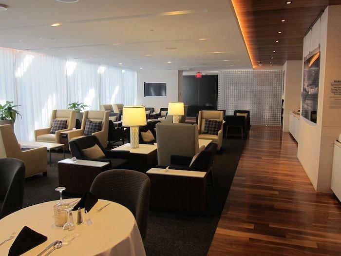 Star-Alliance-First-Lounge-LAX-16