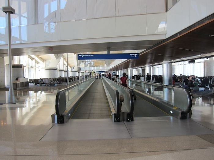 Star-Alliance-First-Lounge-LAX-36