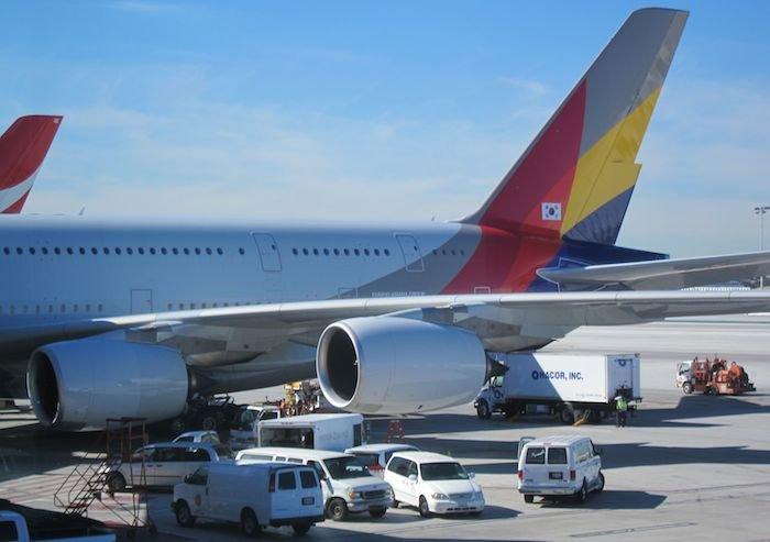 Star-Alliance-First-Lounge-LAX-40