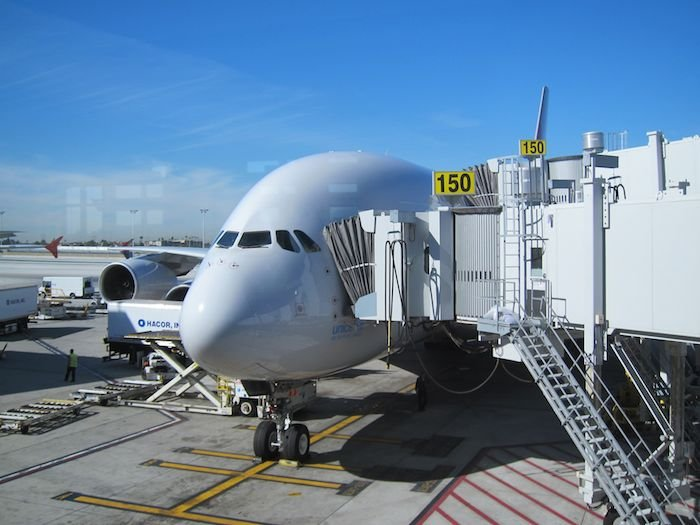 Star-Alliance-First-Lounge-LAX-41
