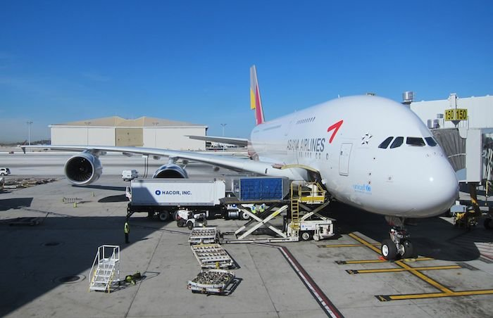 Star-Alliance-First-Lounge-LAX-42