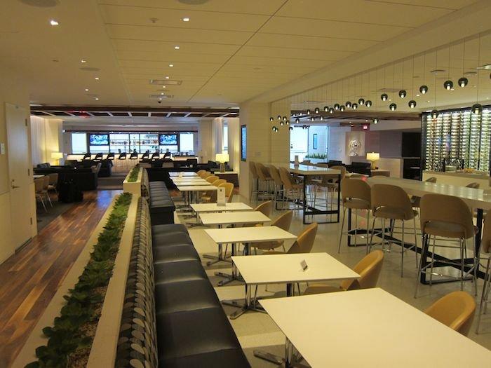 Star-Alliance-Lounge-LAX-10