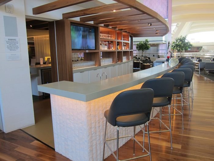 Star-Alliance-Lounge-LAX-30