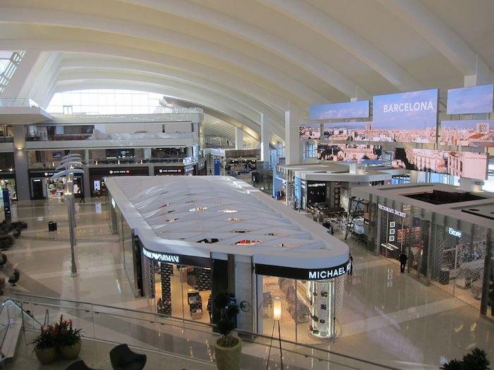 Star-Alliance-Lounge-LAX-31
