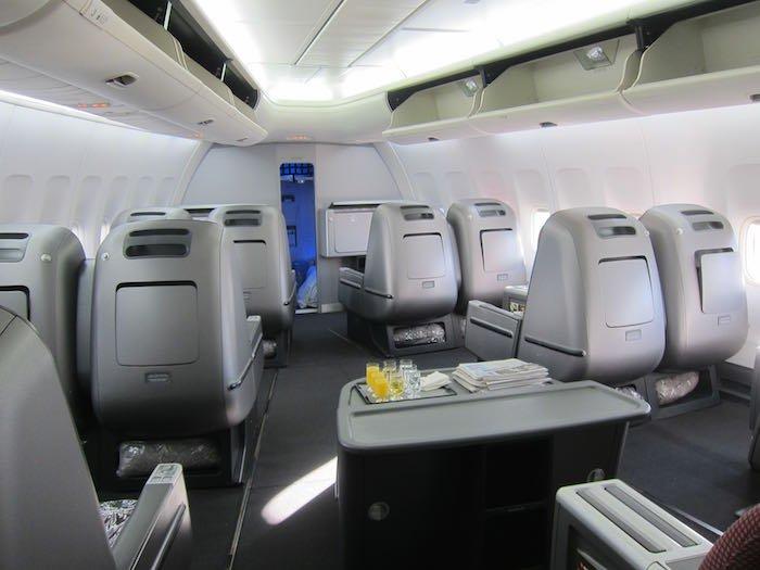 Qantas-Business-Class-747-03