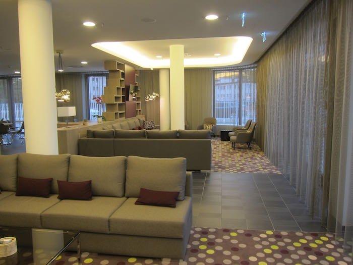 Element-Frankfurt-Airport-Hotel-04