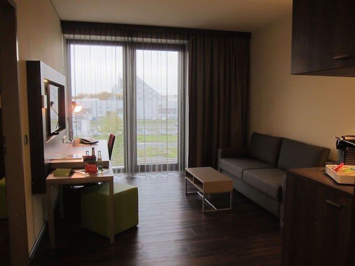 Element-Frankfurt-Airport-Hotel-13