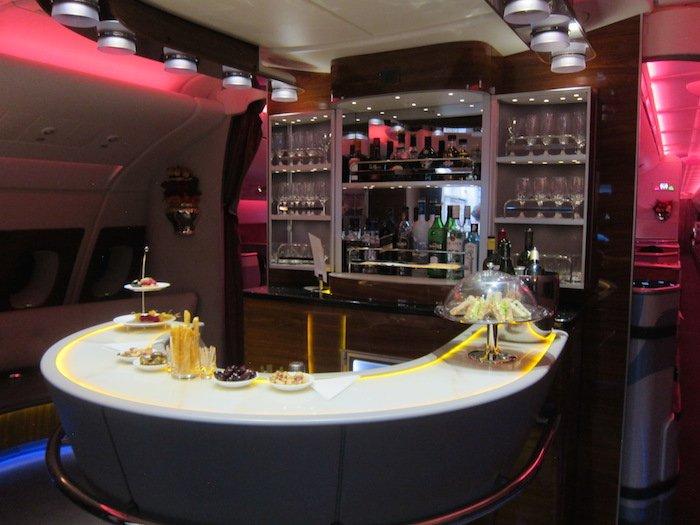 Emirates-business-bar
