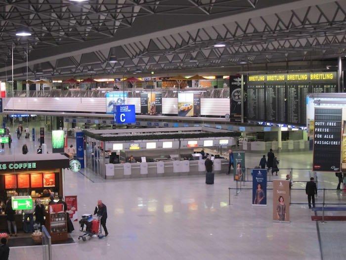 Lufthansa-Senator-Lounge-Frankfurt-01