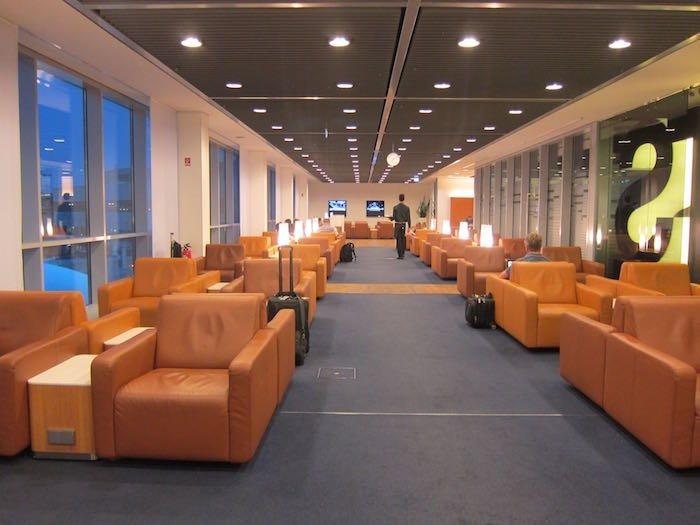 Lufthansa-Senator-Lounge-Frankfurt-15