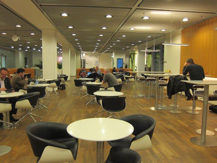 Lufthansa-Senator-Lounge-Frankfurt-19