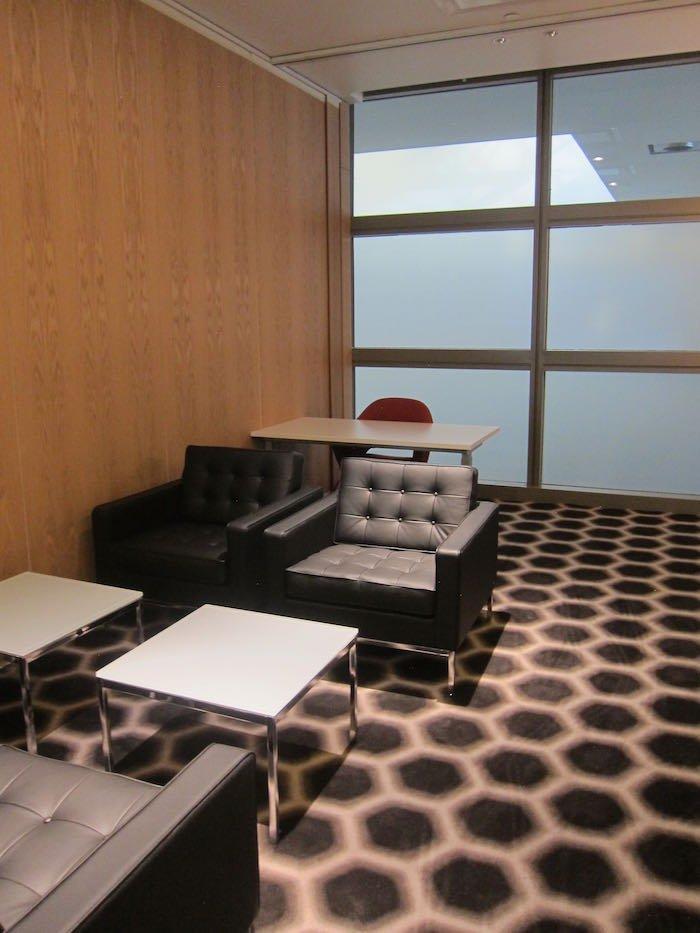 Qantas-First-Lounge-LAX-24