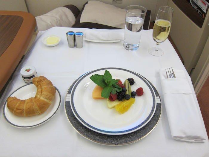 Singapore-Airlines-A380-Suites-38