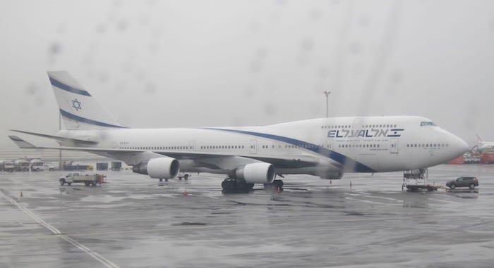 Singapore-Airlines-A380-Suites-60