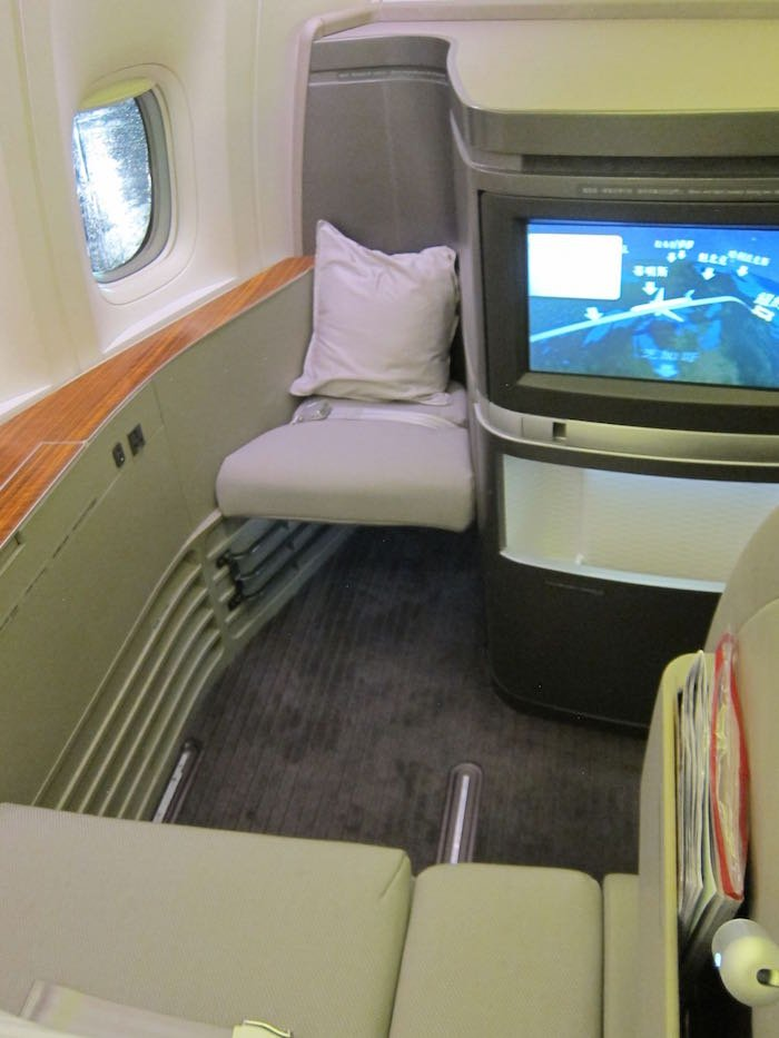 Cathay-Pacific-First-Class-6