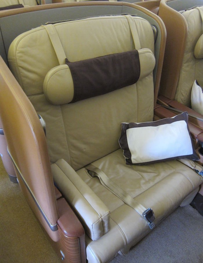 Singapore-Airlines-777-First-Class-02