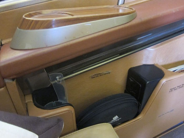 Singapore-Airlines-777-First-Class-06
