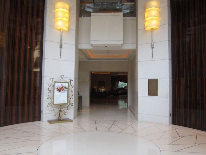 St-Regis-Singapore-Suite-02