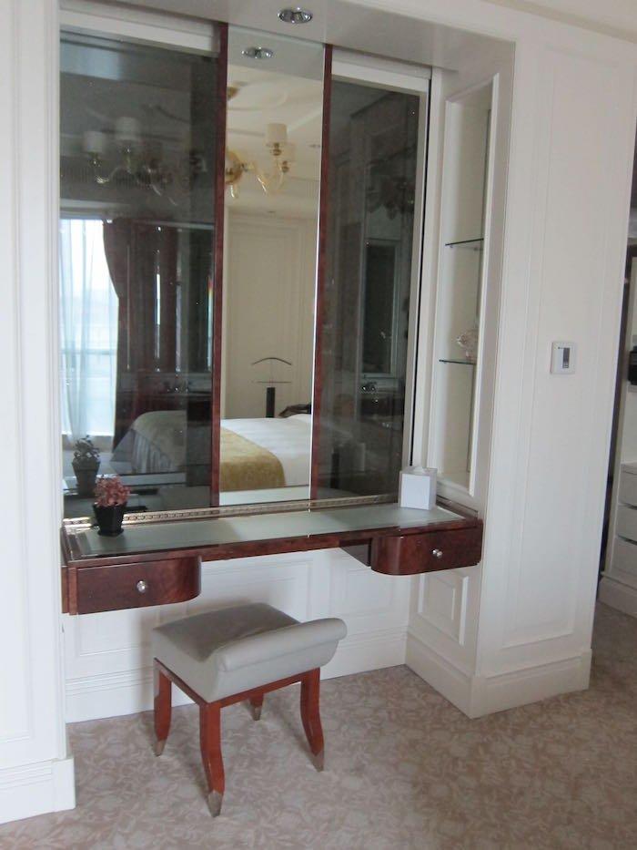 St-Regis-Singapore-Suite-15