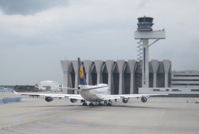 Lufthansa-747-400