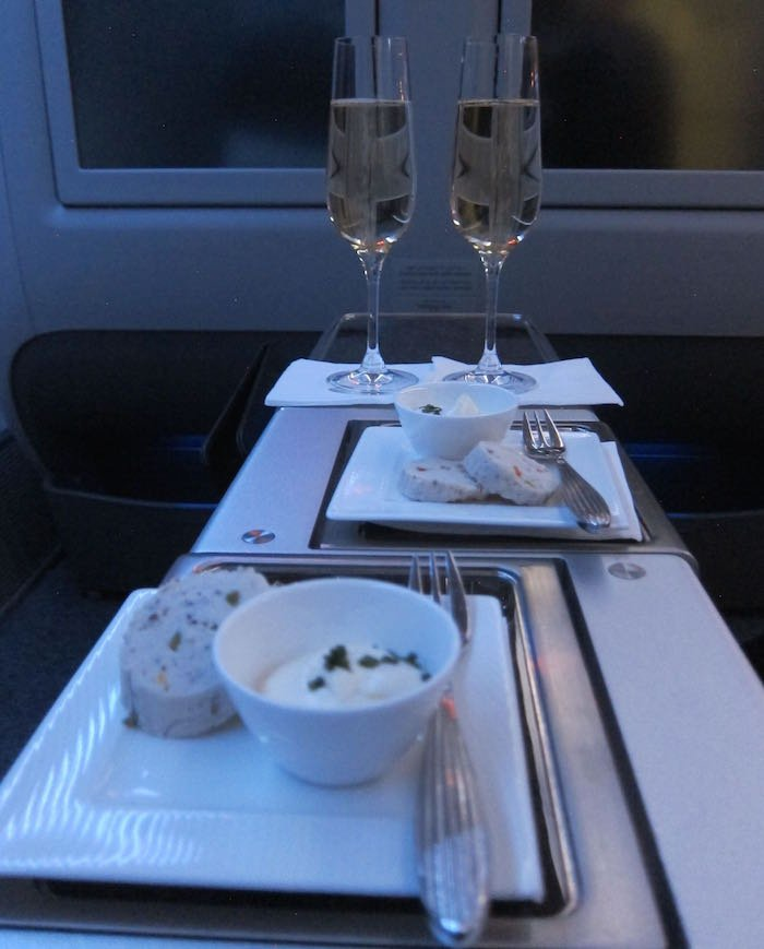 Qatar-Airways-777-Business-Class-24