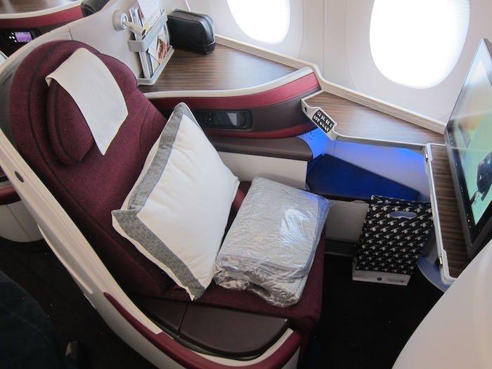 Qatar-Airways-A350-Business-Class-03