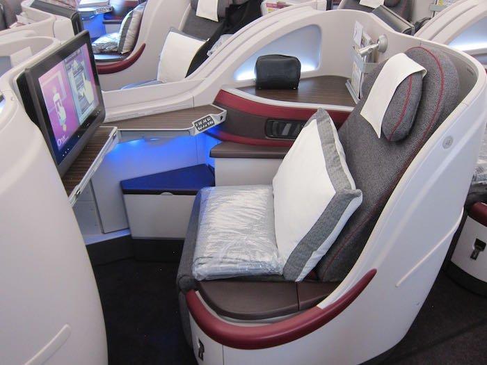 Qatar-Airways-A350-Business-Class-07