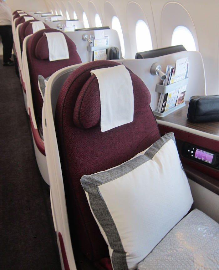 Qatar-Airways-A350-Business-Class-08