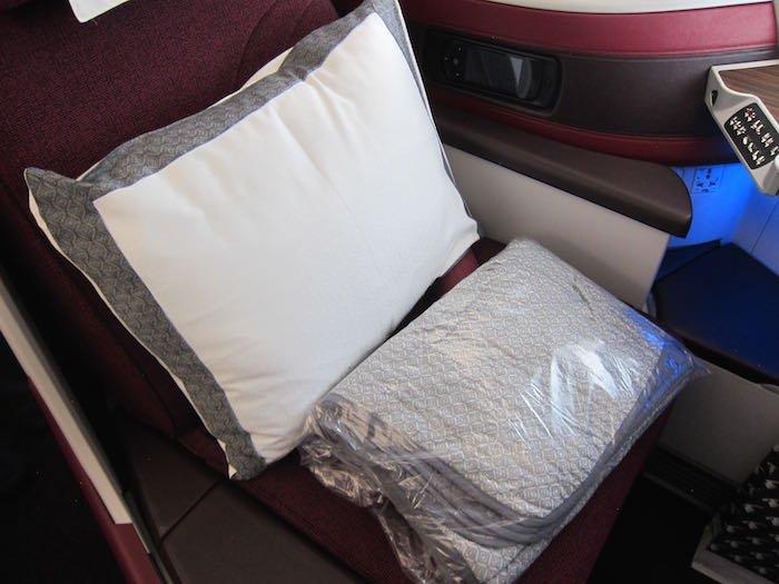 Qatar-Airways-A350-Business-Class-11