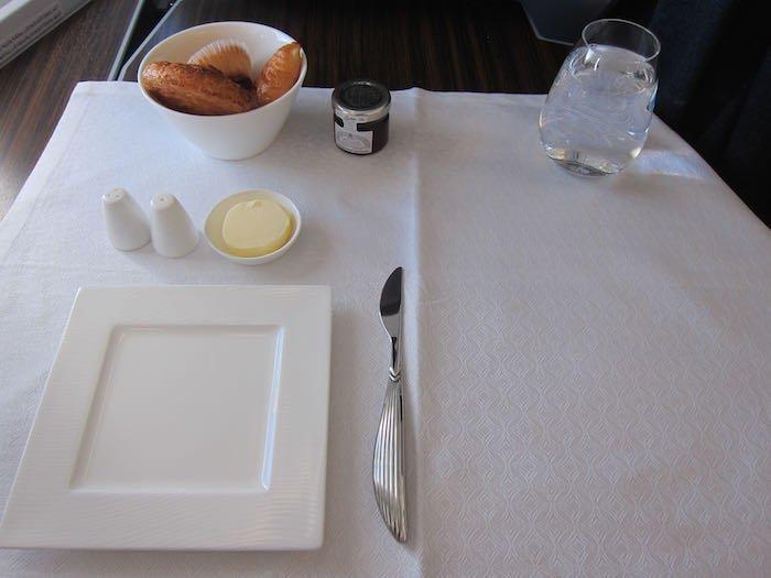Qatar-Airways-A350-Business-Class-56