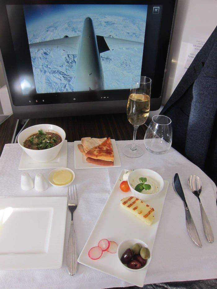 Qatar-Airways-A350-Business-Class-62