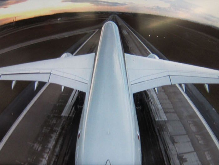 Qatar-Airways-A350-Business-Class-80