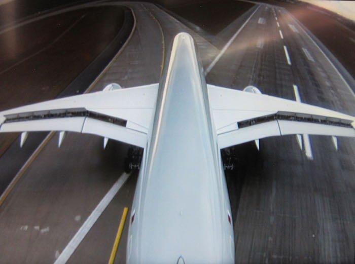 Qatar-Airways-A350-Business-Class-81