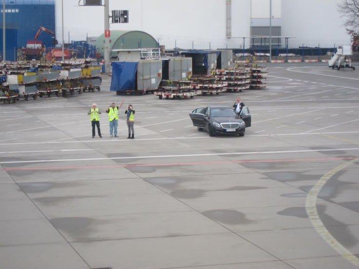 Qatar-Airways-A350-Business-Class-85