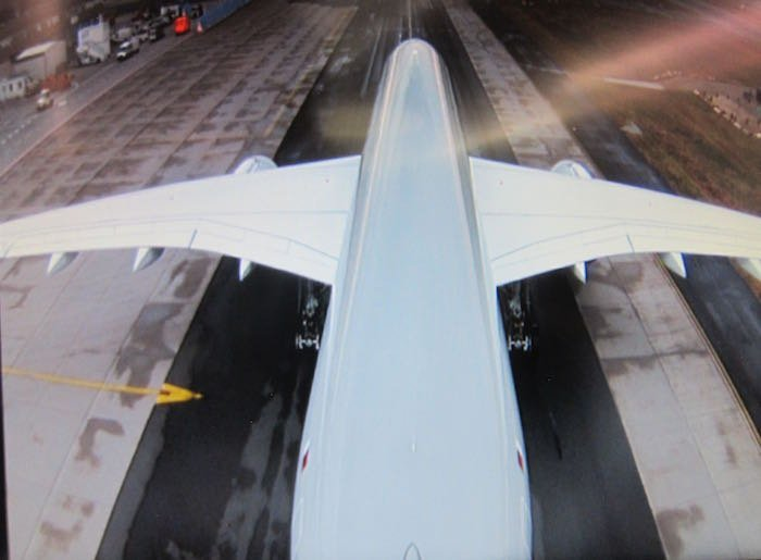 Qatar-Airways-A350-Business-Class-87