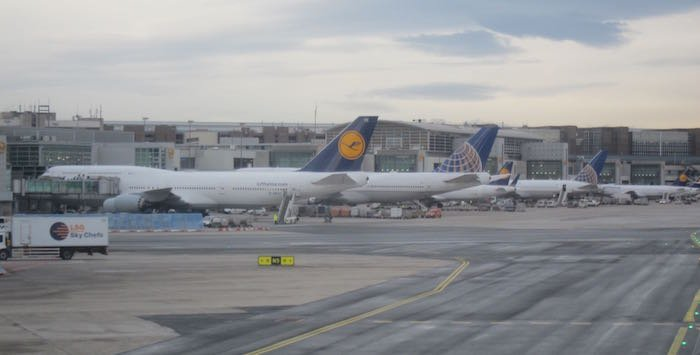 Qatar-Airways-A350-Business-Class-89