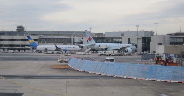 Qatar-Airways-A350-Business-Class-91