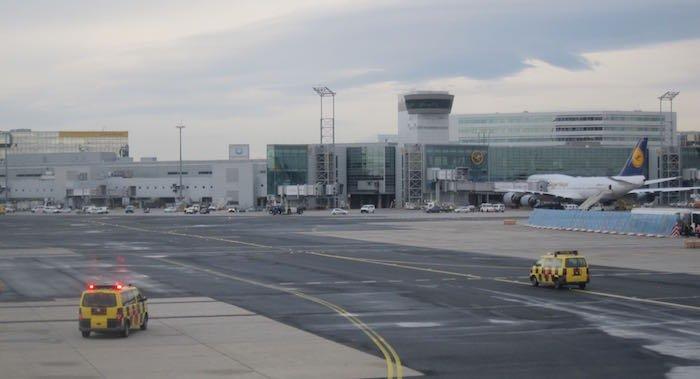 Qatar-Airways-A350-Business-Class-92