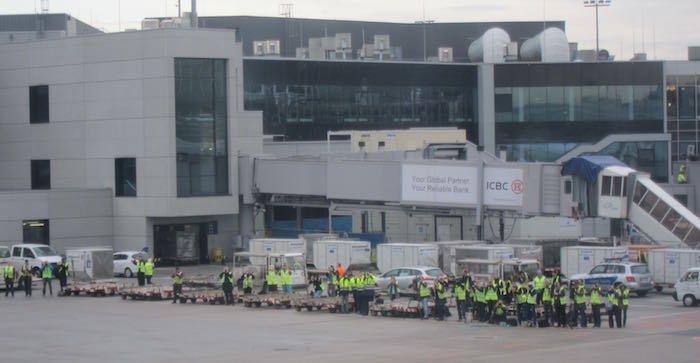Qatar-Airways-A350-Business-Class-93