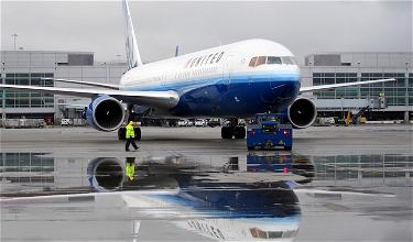 Disabled United Passenger Forced To Crawl Off Plane