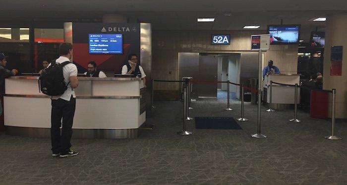 Delta-Gate