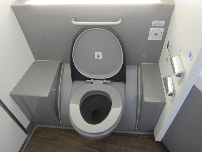 British-Airways-A380-Business-Class - 20