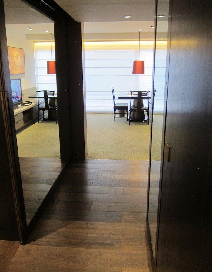Grand-Hyatt-Hong-Kong-Grand-Suite - 11
