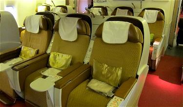 Passenger Yells At Flight Attendant Over How I Deplane
