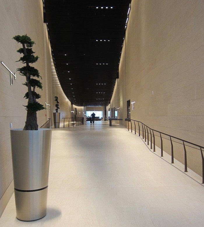 Qatar-Airways-Lounge-Doha - 10