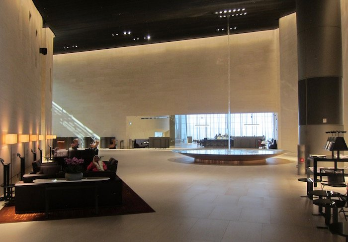 Qatar-Airways-Lounge-Doha - 12