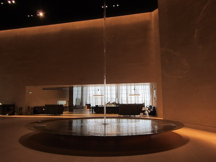 Qatar-Airways-Lounge-Doha - 14